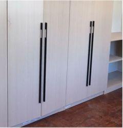 Möbelgriff C2020 schwarz Aluminium 1000mm